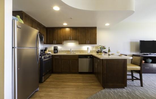 1 & 2 BEDROOM CONDOS - Full Kitchens